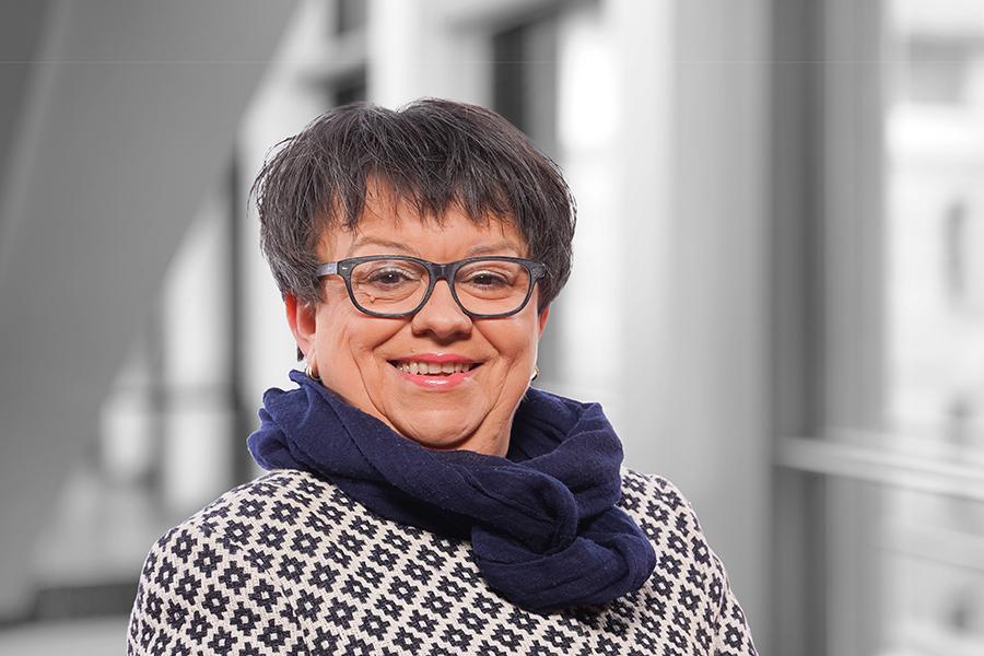Dr. Maria Hackl